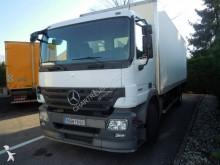 camion furgon izolat Mercedes