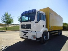 Camión furgón MAN TGA 26.390