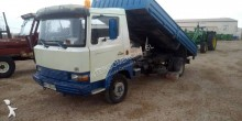 Nissan standard flatbed truck
