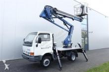 vrachtwagen Nissan CABSTAR E110 - OIL & STEEL SNAKE 168 CITY BOOM