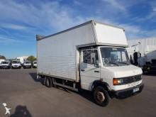 camión furgón doble piso Mercedes