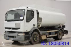 camion cisterna prodotti chimici Renault