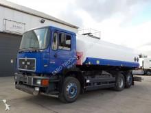 MAN 24.332 (6 CYLINDER / 18000L / 6X2) truck
