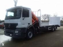 camión portamáquinas Mercedes
