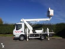 camión plataforma elevadora articulada telescópica Renault