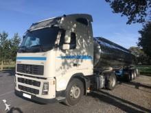 camión cisterna Volvo