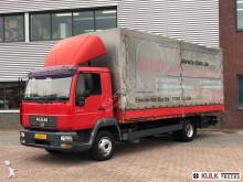 vrachtwagen MAN LE 2000