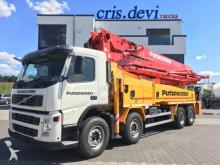 camion calcestruzzo pompa per calcestruzzo Volvo
