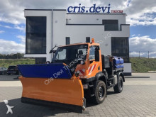 camion tri-benne Unimog