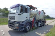 camion MAN TGA 35.410 Cifa 28 m