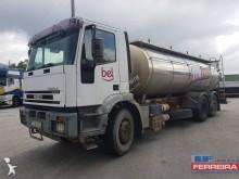 ciężarówka cysterna do przewozu produktów żywnościowych Iveco