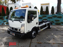 camion polybenne Nissan