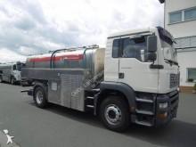 camion cisterna trasporto alimenti MAN