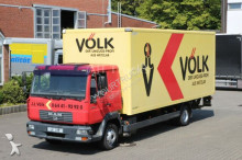 vrachtwagen MAN LE 12.220 Schalter Schlafplatz Koffer LBW
