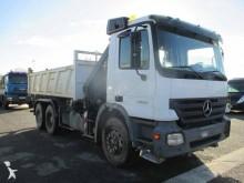 camião Mercedes Actros 3332