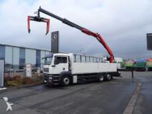 camión MAN 26.360 6x2 Pritsche + Kran Palfinger PK18001