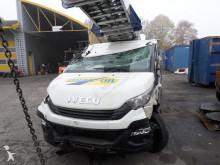 camion nacelle accidenté