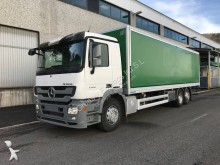 camión furgón transporte de bebidas Mercedes