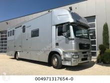 ciężarówka do transportu koni MAN