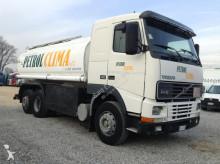 camião cisterna productos químicos Volvo