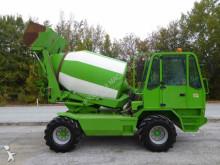 camião betão betoneira / Misturador Merlo