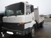 camião estrado / caixa aberta Nissan