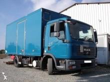 camião furgão MAN