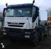 camión hormigón cuba / Mezclador Iveco