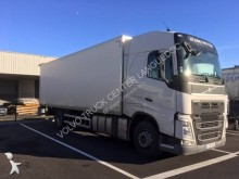 camion furgone plywood / polyfond Volvo