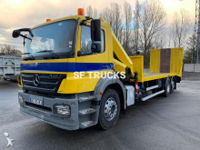 Mercedes Axor 2533 heavy equipment transport