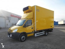 camión frigorífico especial flores Iveco
