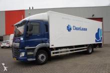 geaccidenteerde vrachtwagen bakwagen