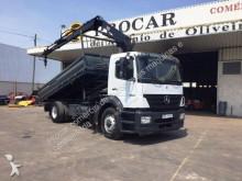 camión volquete trilateral Mercedes