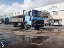 camião estrado / caixa aberta estandar Volvo