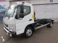 camion portacontainers Mitsubishi