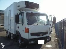 Nissan mono temperature refrigerated truck