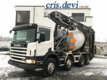 camion Scania 420 P124 CB 8x4 Förderband