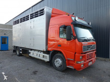 camion bétaillère bovins Volvo