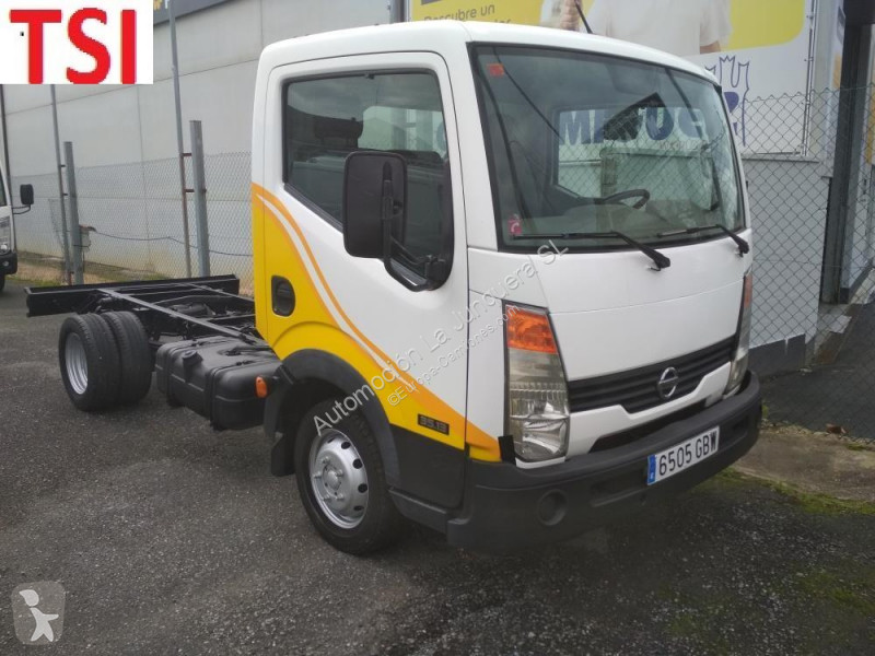 View images Nissan 35.13/2 truck