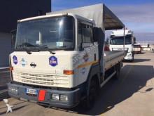 vrachtwagen Nissan Eco T100