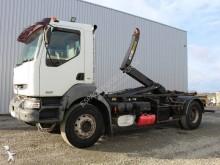 Renault Kerax 370.26 truck