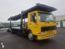 camião porta carros Volvo