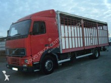 vrachtwagen platte bak hooiwagen Volvo