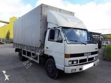 camião caixa aberta com lona Isuzu