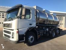 vrachtwagen tank chemicaliën Volvo