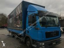 MAN 8 220 truck