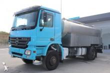 camião cisterna Mercedes