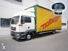 vrachtwagen met huifzeil MAN