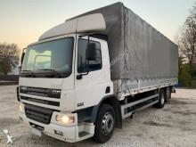 camião caixa aberta com lona DAF