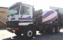 Mercedes -BENZ - CAMION HORMIGONERA BENZ 3331 6X4 2003 8M3 truck